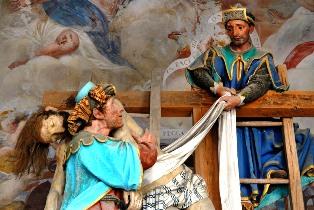 Gesù viene tolto dalla croce