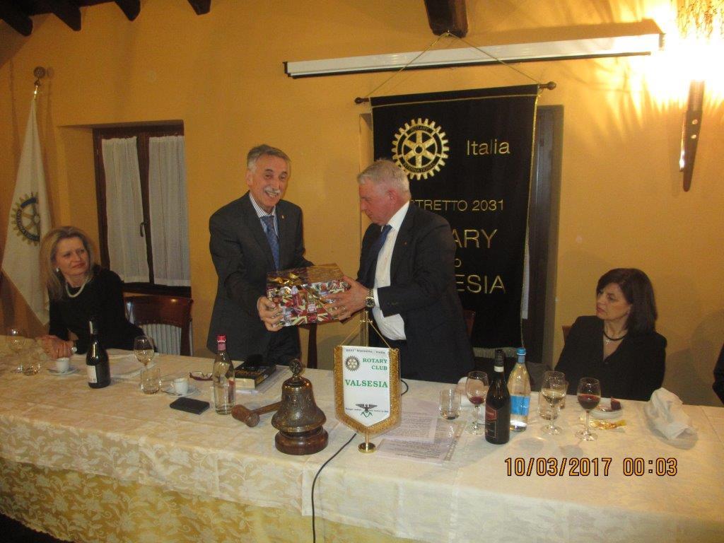 Valsesia: al Rotary Club ospite il giornalista MAURIZIO DE PAOLI