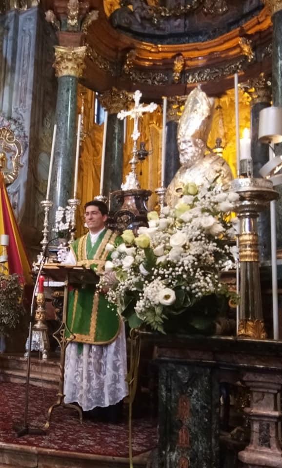 Don Alessandro Ghidoni, ha celebrato oggi per la prima volta al Sacro Monte